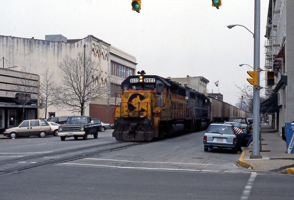 I was very surprised when, shortly after the Hoosier State had departed to Chicago a southbound freight headed by a Chessie GP40-2 made its way slowly through downtown. Like many other mid-west towns and cities downtown Lafayette is not what it once was.