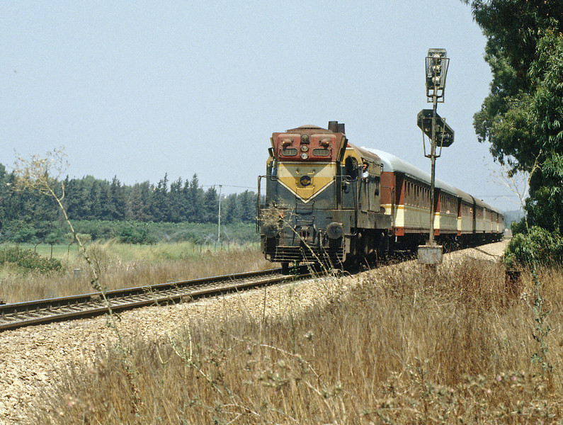 The first picture I took, a Haifa to Tel Aviv train approaching Netanya, passing the home signal behind 30 year old EMD G12 111. The Mk 2c was always at the Haifa end of the train.