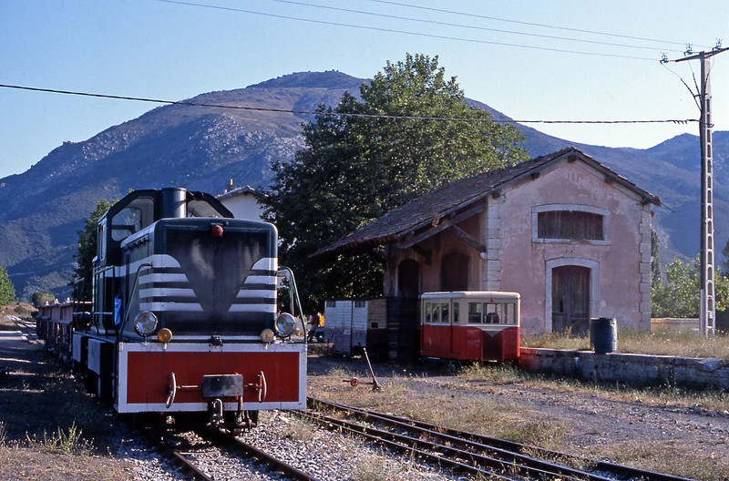In the early 1960s CFD built four 400 hp centre cab diesels for the narrow gauge railways they operated. One was sent to Corsica from new, another joined it later as the narrow gauge lines in Metropolitan France operated by CFD closed. By 1983 they were being used on engineering and p.w. duties. One of the pair is at Ponte Leccia, the junction between the Calvi branch and the Bastia to Ajaccio mainline.