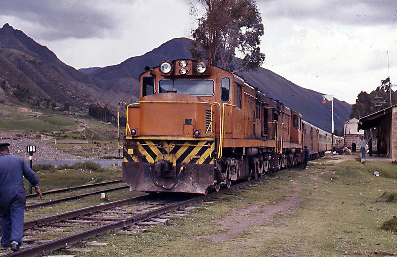 186 km from Puno and we swapped power with a southbound freight, inheriting a pair of Alco DL532b units which took us the rest of the way to Cuzco.