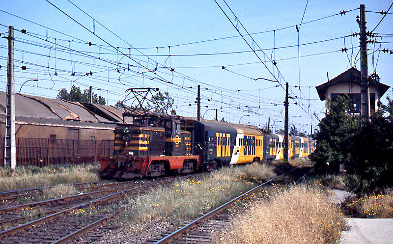 Electric locomotives were also used for shunting, this E17 class is bringing the coaches for an evening rapido to Chillan into the station