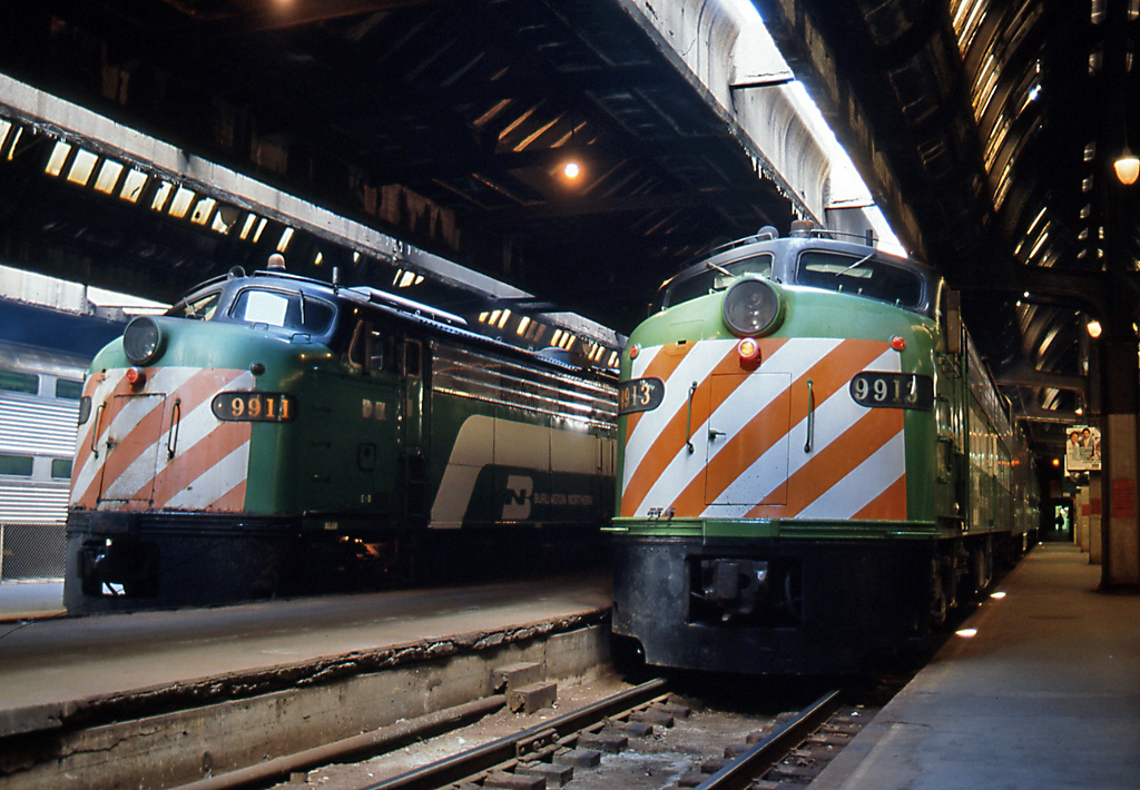 Across town at Union Station a pair of BN's classic E units. 9913 was about to take me out to Naperville for a day's railfanning with friend Mel Finzer.