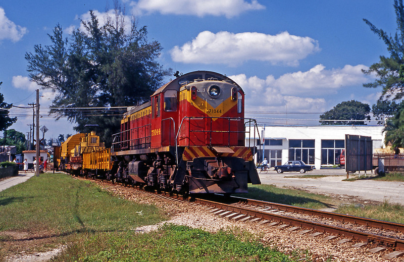 Shortly after the passenger train headed east it was followed by some MoW equipment led by 71044, a Soviet built TEM2K