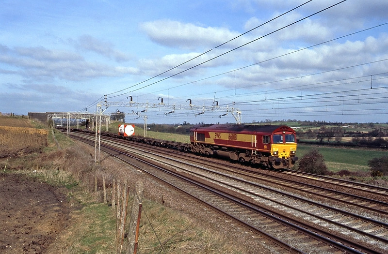 66018 on what I assume is a very lightly loaded Channel Tunnel intermodal.