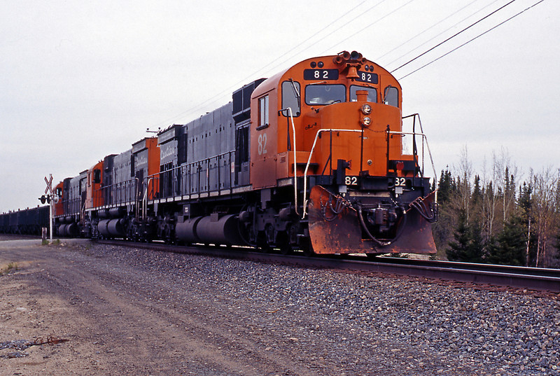 Our last picture, as the light faded was of empties at Siding Able, lead by M636 82. Tomorrow we faced the long drive back to Quebec City, some 576 kms.