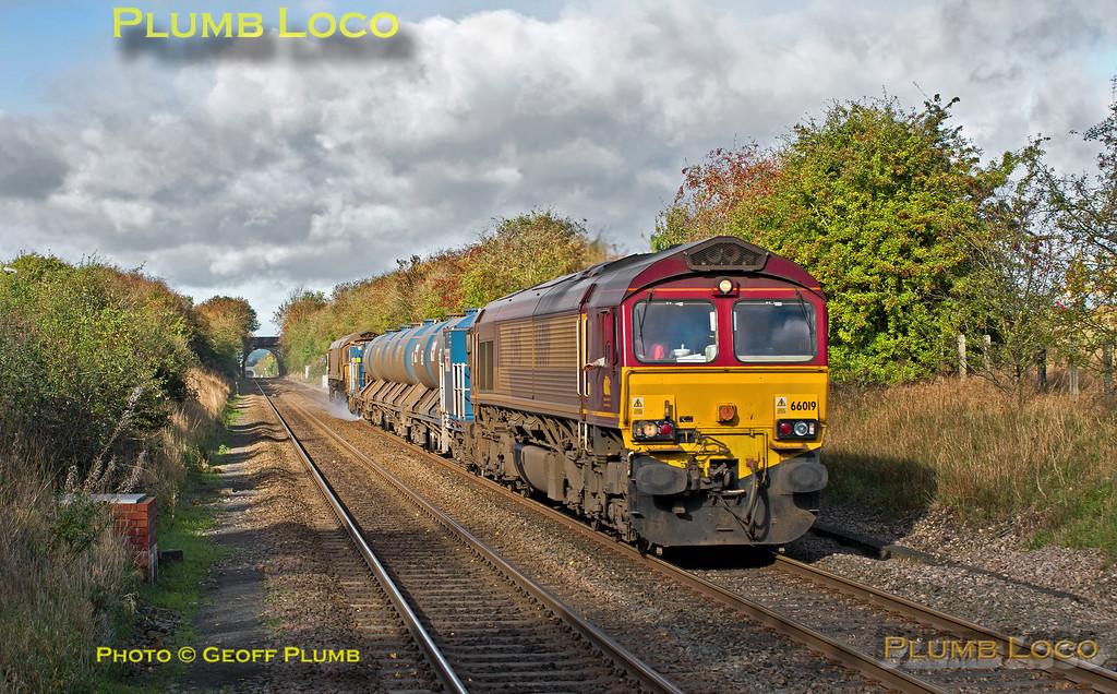 66019 & 66017, Haddenham, 3J04, 3rd November 2013
