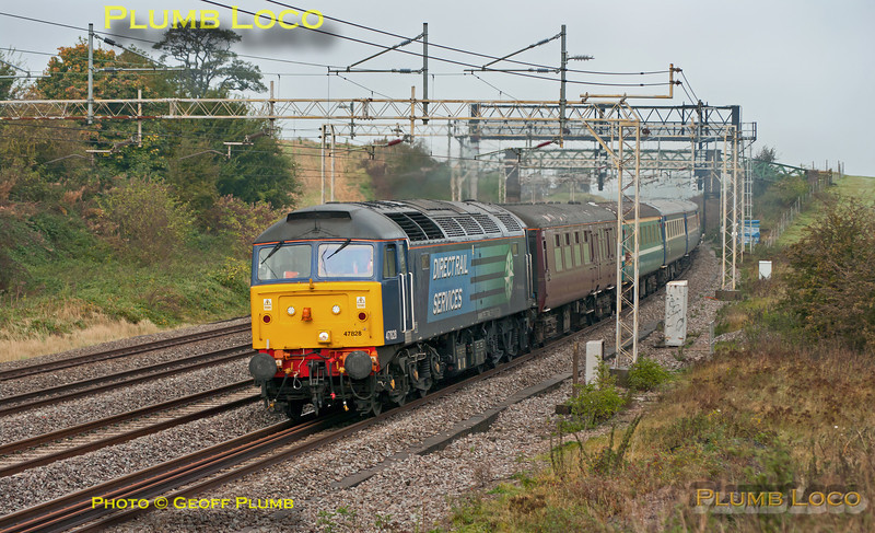 I hadn't expected to see this, but as it was running around 75 minutes late I managed to get it! DRS 47828 is leading 1Z07, from Liverpool to Victoria in connection with a TUC event in London. 47802 brought up the rear of the train as it passes Old Linslade at 10:32 on Saturday 20th October 2012. Digital Image No. GMPI12650.