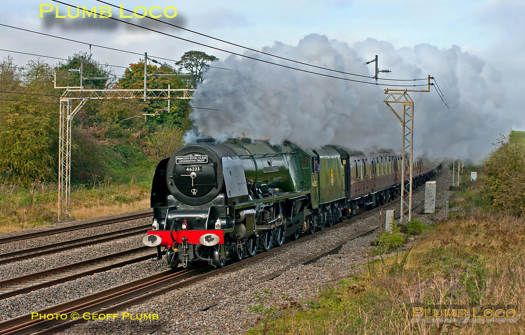 "Looking very much at home on the WCML, Stanier ""Princess Coronation"" 4-6-2 No. 46233 ""Duchess of Sutherland"" bowls merrily along the up slow line at Old Linslade with 1Z86, Sheffield to Euston train which it hauled from Nuneaton. 11:41, Saturday 20th October 2012. Digital Image No. GMPI12663."