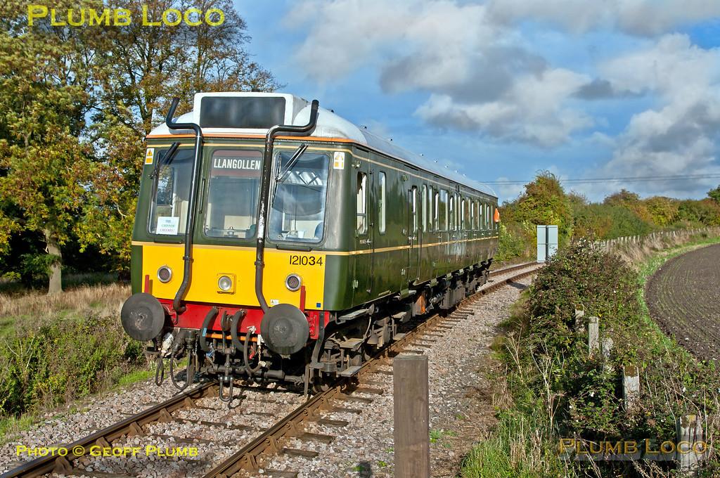 121 034, Horsenden Lane Level-Crossing, 1P11, 19th October 2013