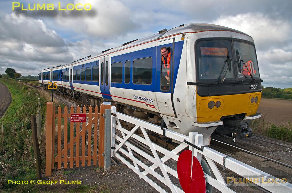 165 001, Horsenden Lane Level-Crossing, 5th October 2013