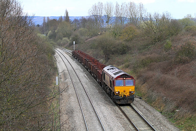 66175 brings the 6V92 10.18 Corby to Margam empty steel carriers through the cutting at Reddings.