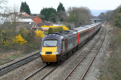 43384 leads the 06.32 York to Plymouth away from the Cheltenham stop. 43378 is the rear power car.