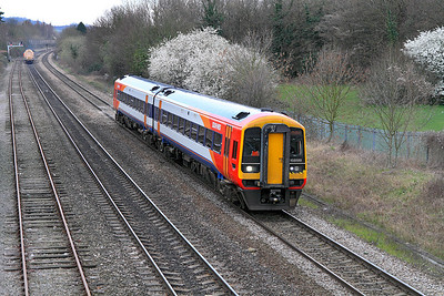 SWT 158889 on hire to FGW approaches Cheltenham on a service from Swindon.