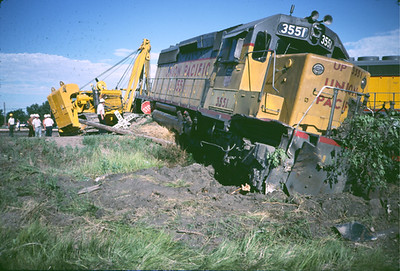 I watched as this train plowed through the coal empty at 40mph.  Sterling, CO