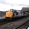 37221 passes through Perth with an engineers train 26/5/1998.