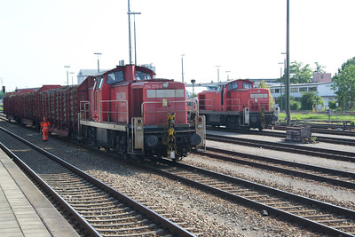 A pair of 294's engaged in shunting at Buchloe (03 Jul 2015)