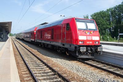 Almost new: 245-002 at Geltendorf 03 Jul 2015