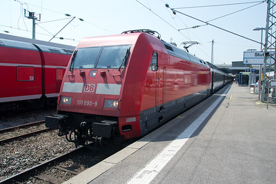 101-090 waits at Stuttgart on 03 Jul 2015 with a service to Lindau