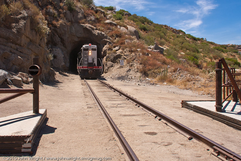 Golder State train in the border tunnel.