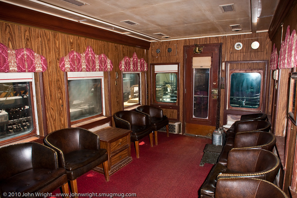 The lounge of the Robert Peary railcar.