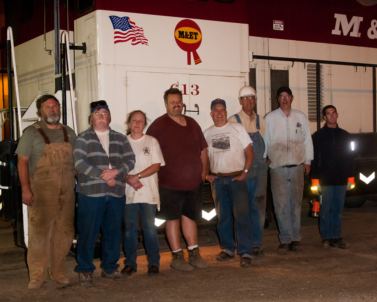 The tired crew...  Rusty Hoar, Ron Hyatt, Diana Hyatt, Dave DiGiorgio, Larry Rose, Rich Paulus, Dan Robirds and Alex Fiori.