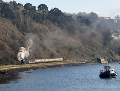 S160  5197 approaches Britannia Crossing with the 1610 Kingswear ~ Paignton Queens Park
