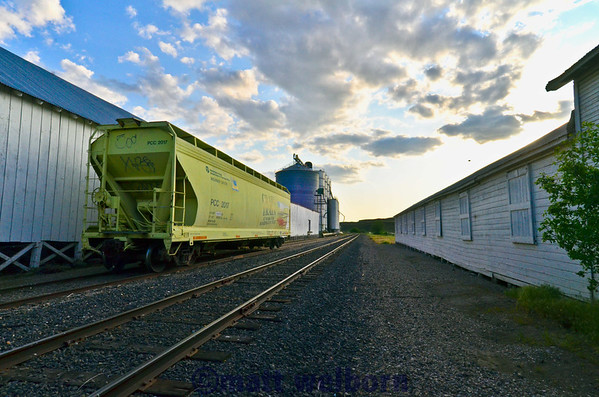 Washington State DOT grain car awaiting the harvest at Hooper