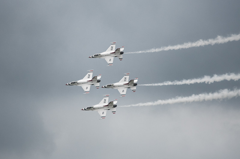 The United States Air Force Thunderbirds -  F16 Fighting Falcons - 2017 Chenault Air Show  -  DIAMOND FORMATION