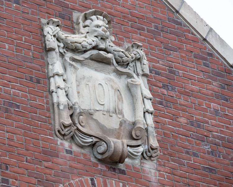 1910 date shield at Cochrane train station.