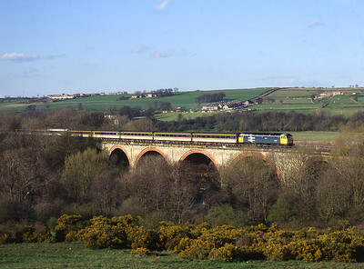 47513 crosses the viaduct at Etherley nr Witon Park on the last train from Eastgate on route to Swindon. 10/4/1993