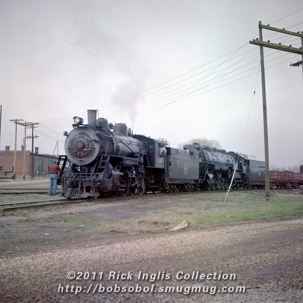 Slide No. 230. C&S 648 shoves cold No 900. May 1957.