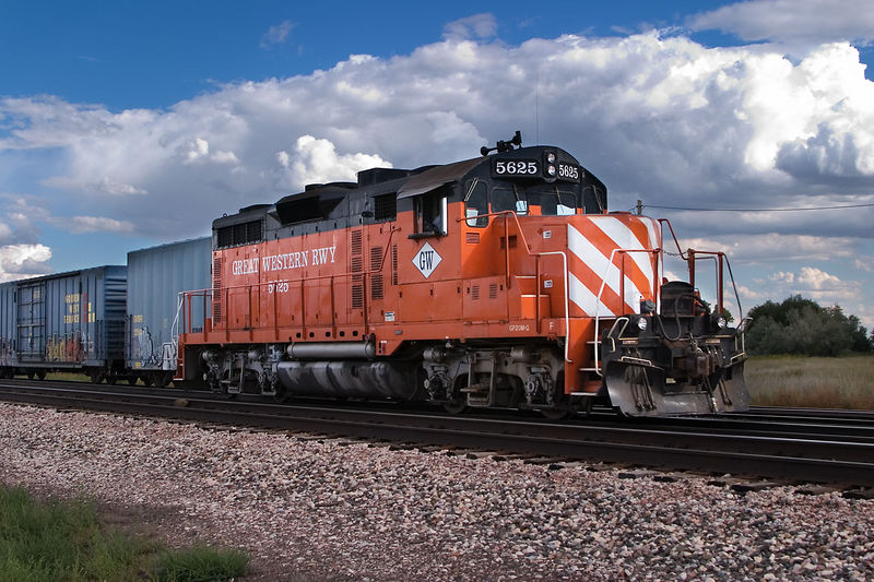GP20M-Q at North Yard, Fort Collins, Sept 24, 2004. This engine, equipped with traction control, was often used solo to switch cars for the Budweiser plant north of town. After complaints from BN track maintainers who said they were spending too much time regrinding the rail, it was accompanied by an old GP7.