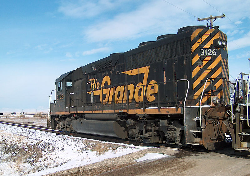 GP-40 #3126 leads the Fort Collins local, heading for the US34 crossing in Kelim, CO on a cold February 25, 2003.