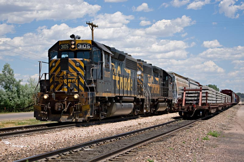 Two unpatched GP40-2s wait for clearance at North Yard, Fort Collins to return to LaSalle with the FC local, July 1, 2005.