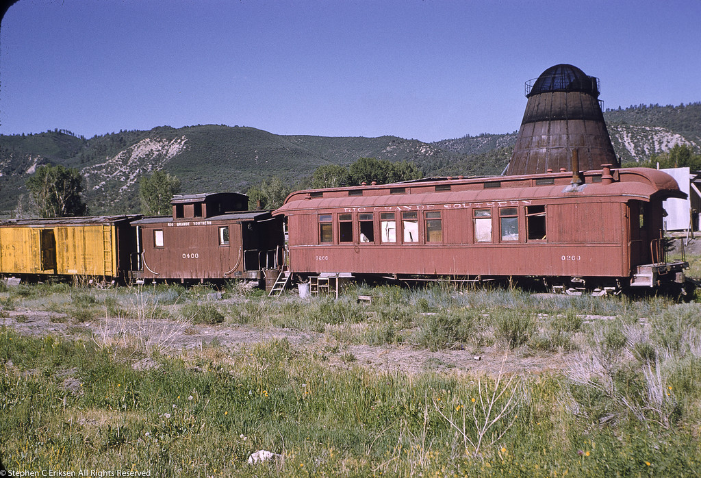 Ridgway June 1958 view of coach 260, caboose 0400 and reefer 2101.