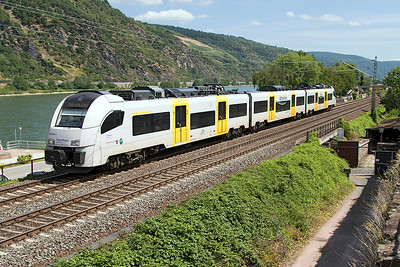 Trans Regio Desiro ML 460 009 in MittelrheinBahn livery passes Oberwessel working to Koblenz. Wednesday 5th July 2017.