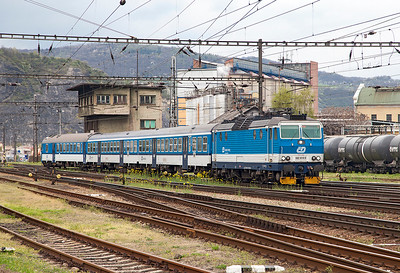 162 014 'Marcelka' arrives at Ústí nad Labem Střekov heading the 6415 16.03 Ústí nad Labem to Lysá nad Labem. Tuesday 19th April 2016.