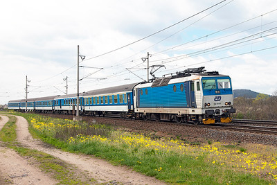 162 013 heads south past Zaluzi level crossing with 6947 11.02 Ústí nad Labem to Roundnice nad Labem. Tuesday 19th April 2016.