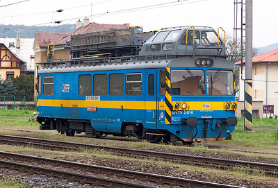 Overhead Line Inspection vehicle MVTV 2-016 stabled at Velké Březno. Tuesday 19th April 2016.
