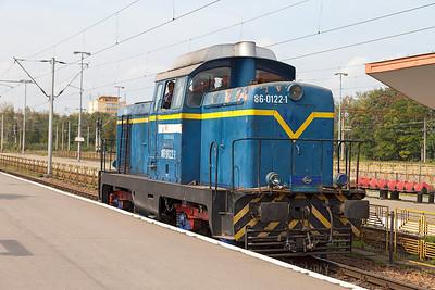 Having delivered the stock for Regiotrans R14060 to Buchuresti 86-0122 returns light engine to the depot. Thursday 26th September 2013.