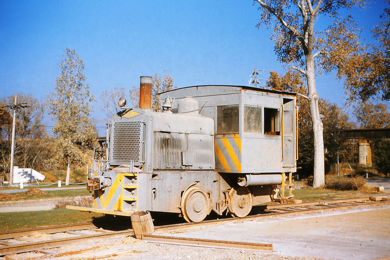 MSCL 12 - Nov 7 1954 - Whitecomb locomotive at alpha cement plant St Louis County MO