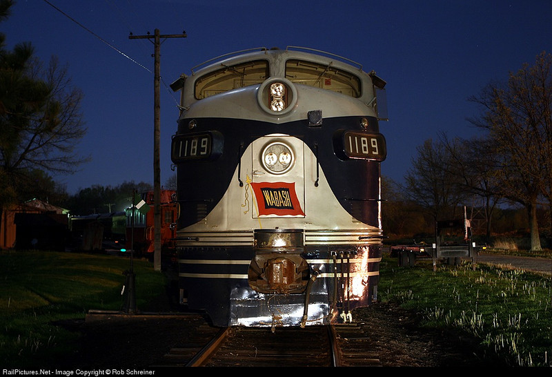Wabash funit at the Monticello Railroad Museum, taken after the regular night photo session was completed. Additional lighting painted via a flash light.