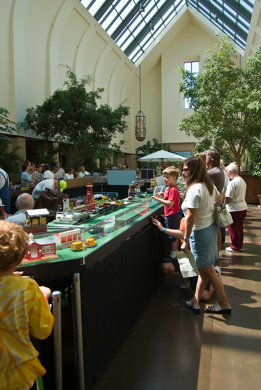 During Railroad Days, a modular model railroad display was set up in the main hall of the visiter center.