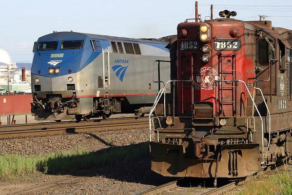 Amtrak 86 and Portland & Western 1852