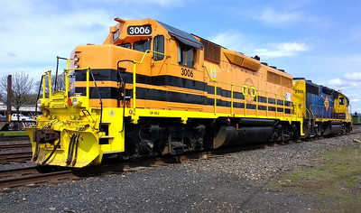 PNWR 3006 (rear unit is GP39-2 2311)
