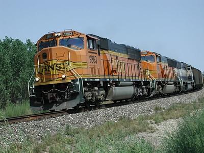 BNSF train rounding curve at Partridge, Kansas