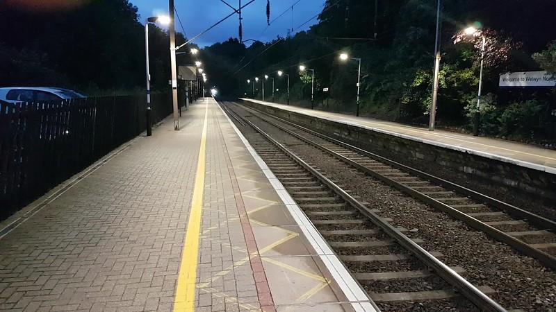 68025 tnt 68028 2131/1Y50 Durham-Kings Cross Northern Belle passes Welwyn North   22/07/17