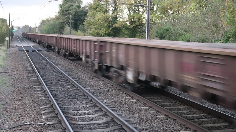 66102 1645/6B04 Bedford South Jct - Doncaster Belmont passes Welwyn North   29/10/17