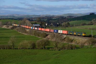 86639+86607 pass Rowell with the Coatbridge-Crewe Freightliner 15/4/15.