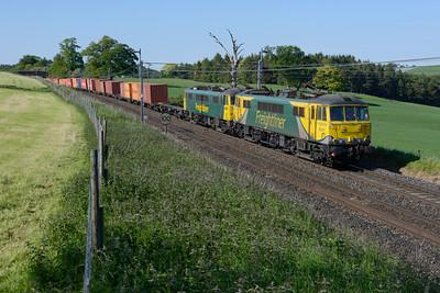 86637+86612 haul the Coatbridge-Crewe liner near Southwaite 11/6/15.
